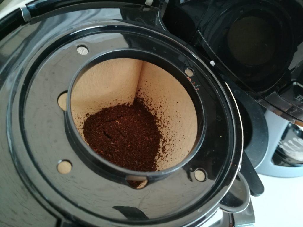 細挽きのコーヒーの粉