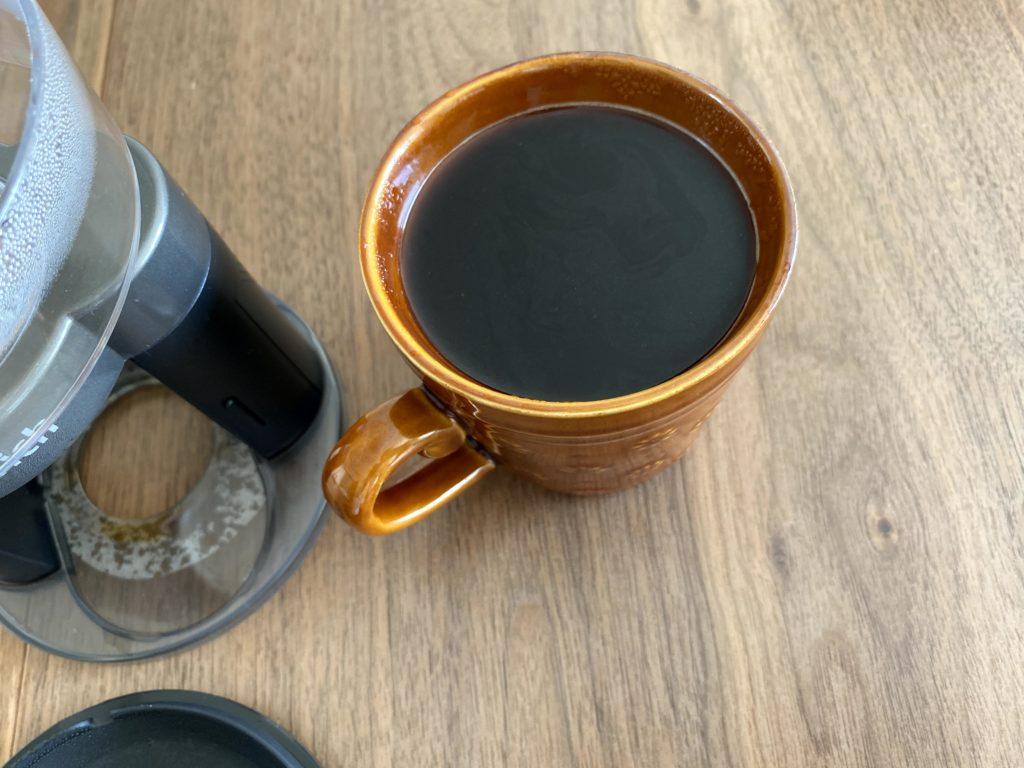 コーヒーがなみなみ入っている