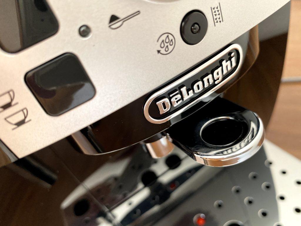 デロンギのロゴ